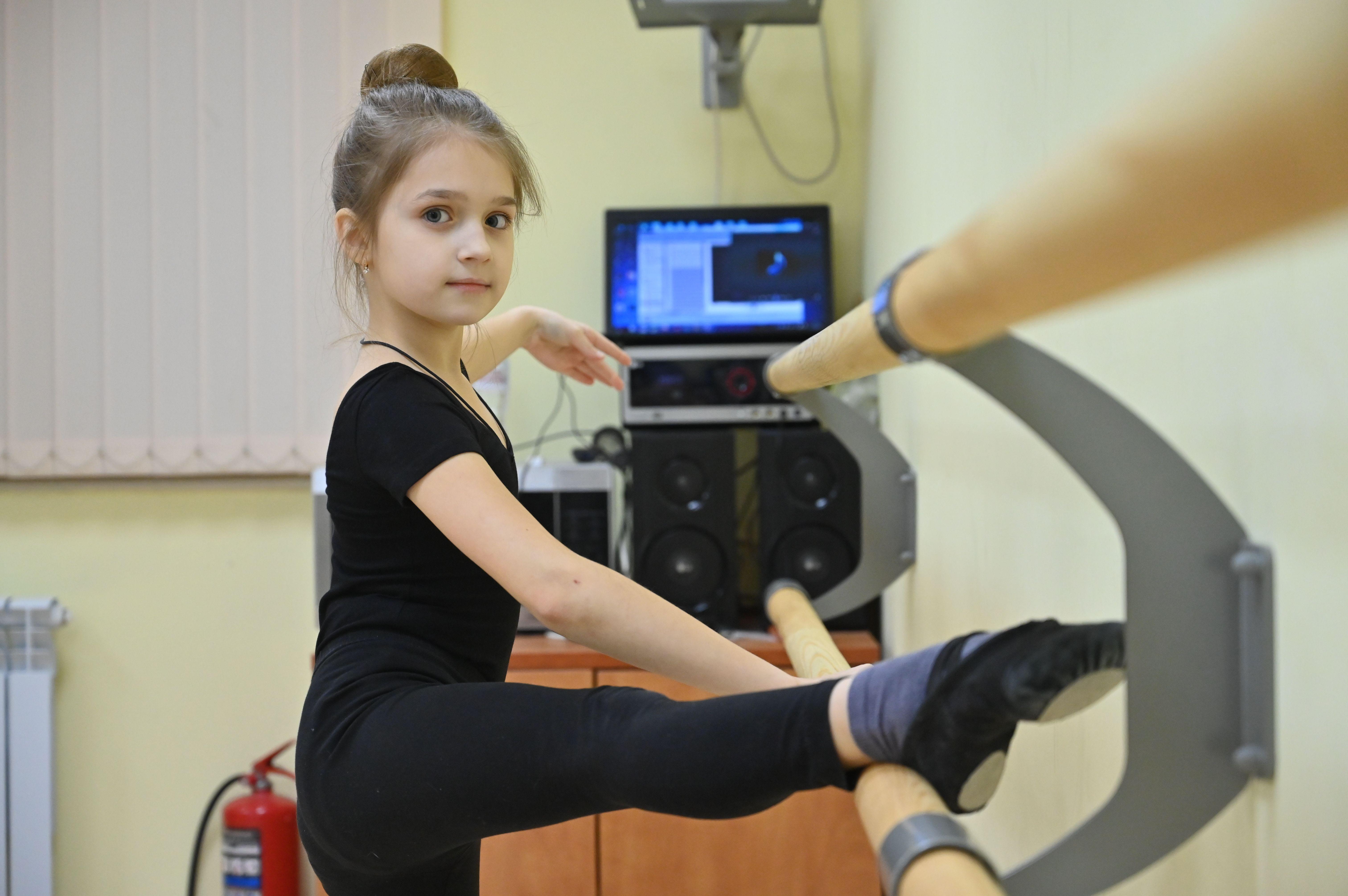 Детей обучают хореографии в студии «Вдохновение»