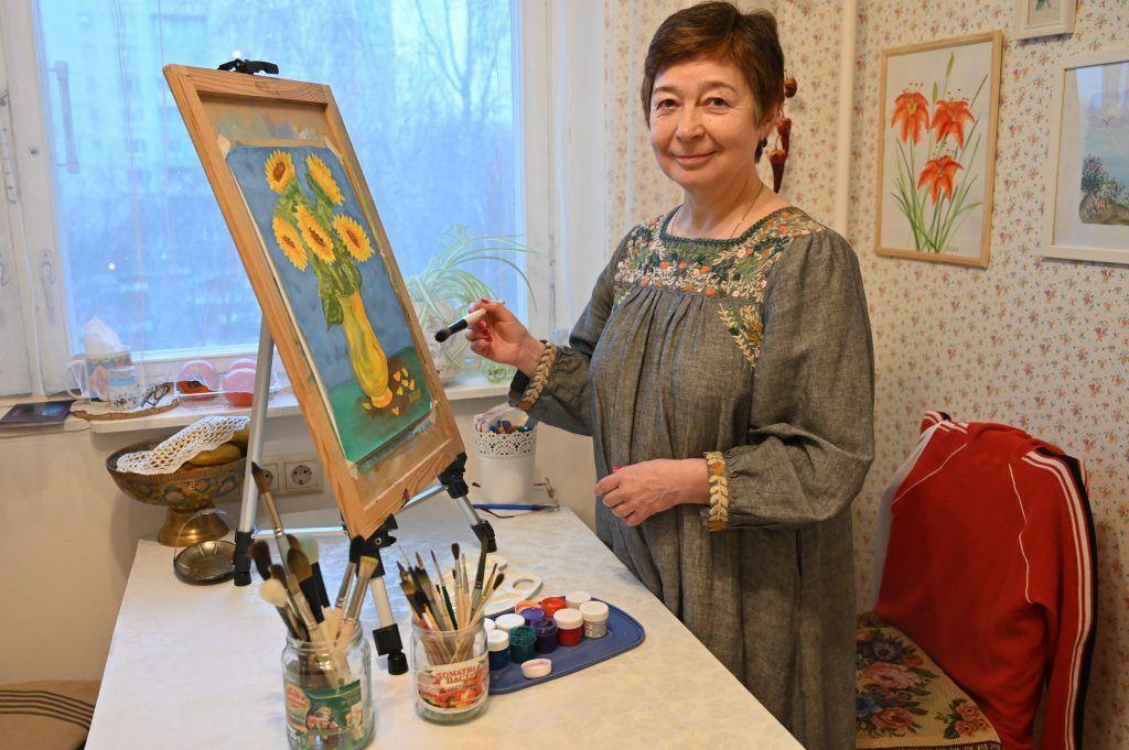 Ирина признается, что решила научиться рисовать для того, чтобы развить творческое мышление. Фото: Алексей Орлов