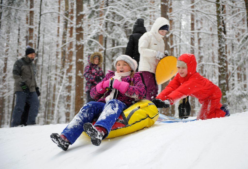 Зимние развлечения подготовят для жителей Нагатинского Затона. Фото: Александр Кожохин, «Вечерняя Москва»