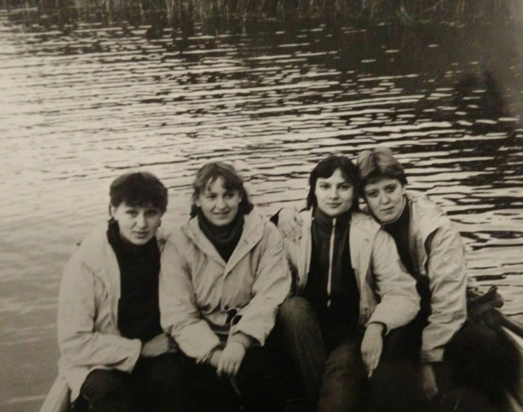 1984 год. Татьяна Моргунова (справа) с коллегами в походе в Латвии. Фото из личного архива