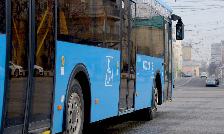 Автобусы №150 вернут на Кантемировскую улицу