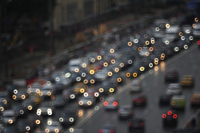 Москвичей попросили на неделю отказаться от личного автомобиля