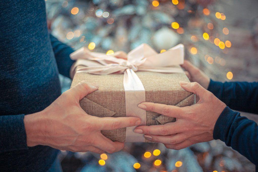 Отмечать Рождество очень важно с дорогими и близкими людьми. Фото: pixabay.com