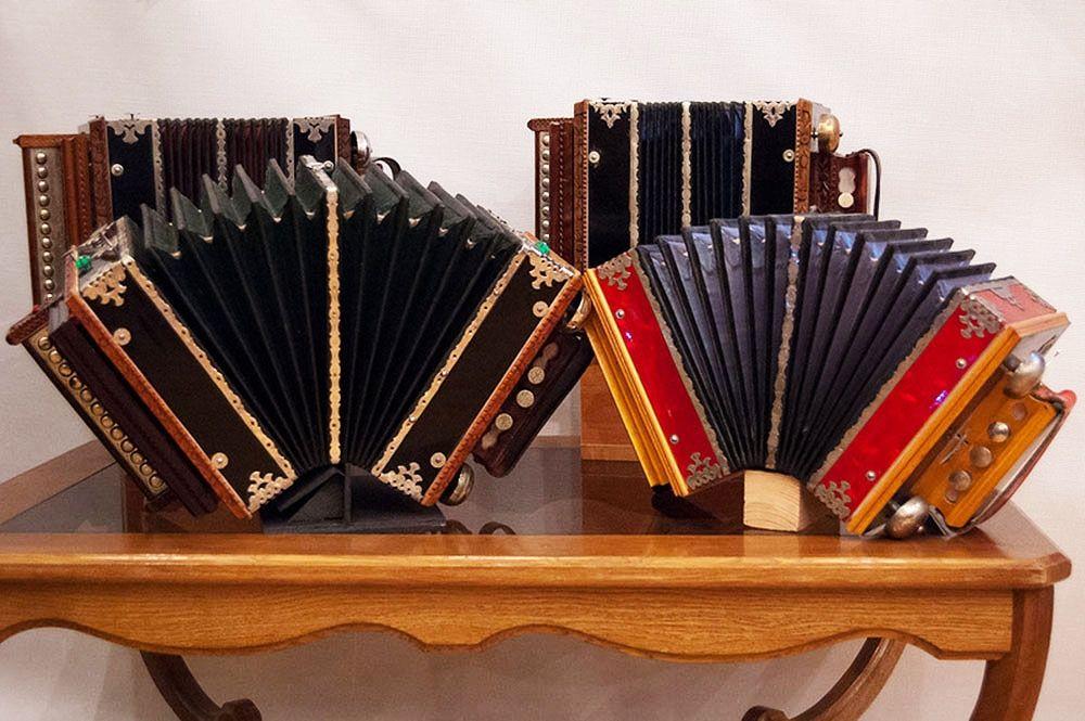 Любовь к музыке Юрию Михайловичу привил дедушка — он отлично играл на гармошке. Фото: pixabay. com