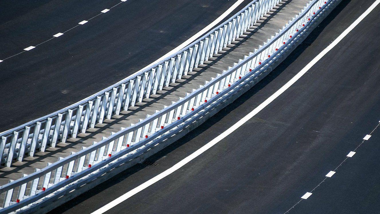 Строительство моста через Кожуховский затон почти завершили
