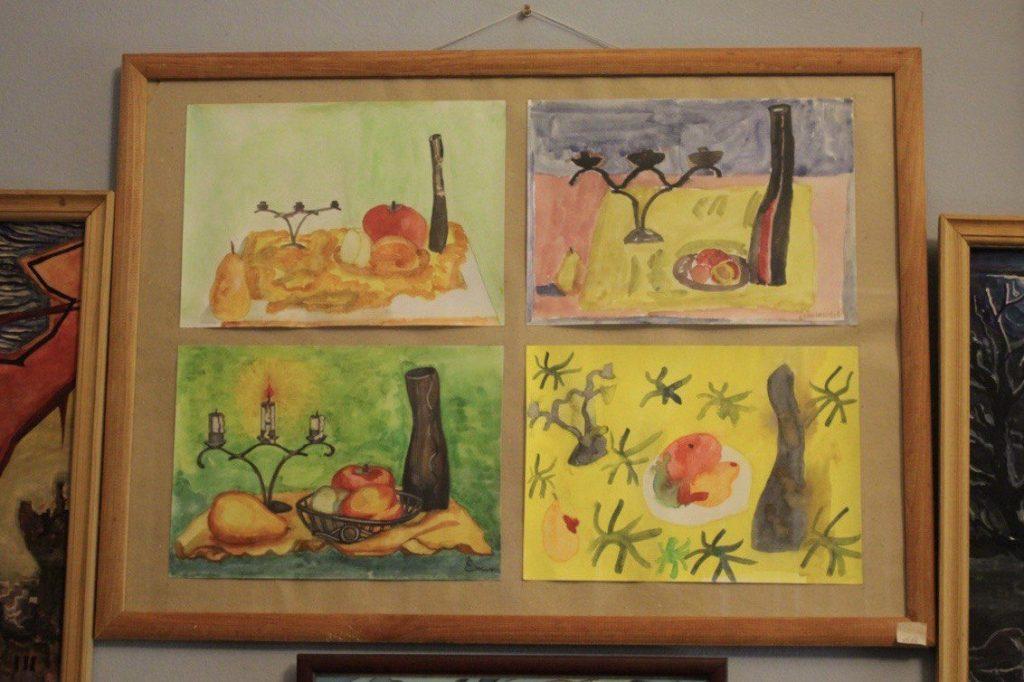 Четыре одинаковых, но разных натюрморта. Фото: Мария Канина