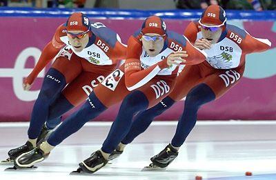 Евгений Лаленков, Алексей Юнин и Иван Скобрев (слева направо) на финале Кубка мира в командной гонке в Канаде 2007 года. Фото из личного архива