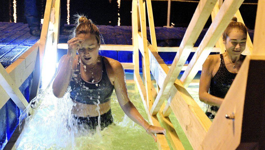 Фотофакт: крещенские купания на Борисовских прудах