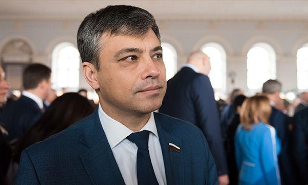 Морозов: «Единая Россия» продолжит работу по развитию медицины в образовательных организациях