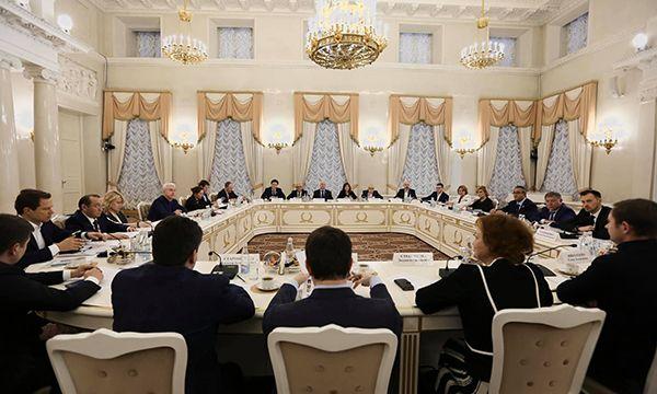 Мэр Москвы встретился с представителями комиссий и фракций Мосгордумы