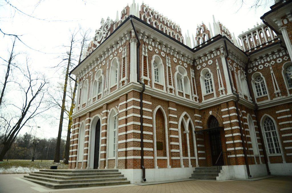 Музеи-заповедники «Царицыно» и «Коломенское» стали самыми посещаемыми на праздниках