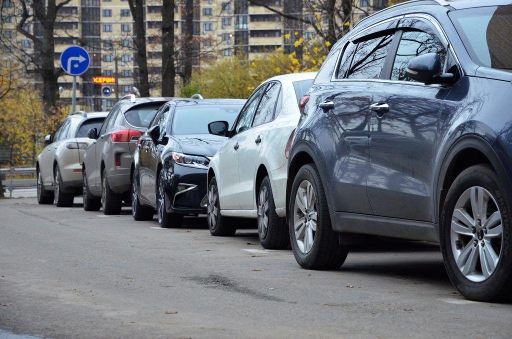 Парковку на Луганской улице отремонтируют. Фото: Анна Быкова