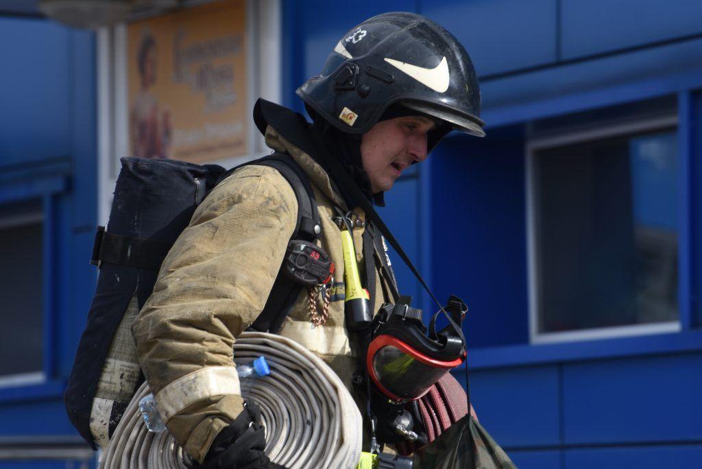 МЧС потушило 100-метровый пожар на юго-востоке Москвы