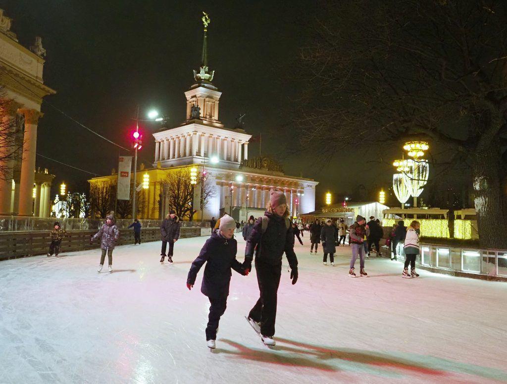 Экскурсии на коньках стартуют на ВДНХ