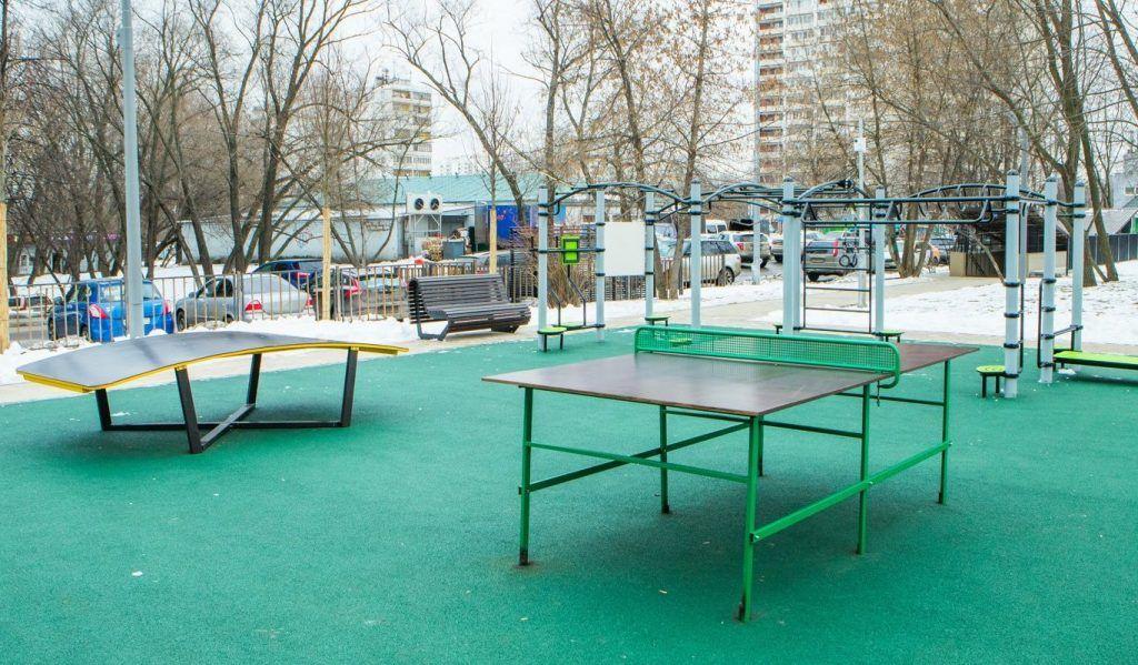 Текбол и «песочная фабрика»: сквер Победы благоустроили в Зябликове