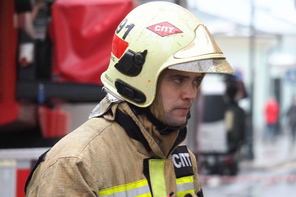 На юго-востоке Москвы потушили 100-метровый пожар