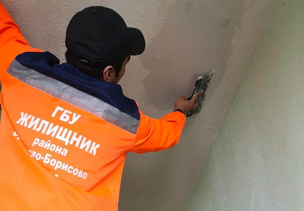 Ход ремонта дома проверили на Ясеневой улице. Фото предоставил Максим Демченков