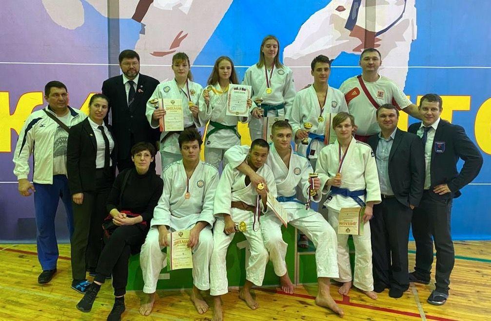 Ребята из спортивной школы олимпийского резерва №47 завоевали 16 медалей в первенстве по джиу-джитсу