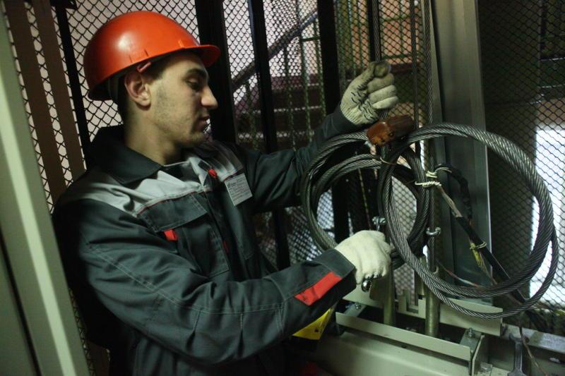 На юго-востоке Москвы заменят почти 900 лифтов