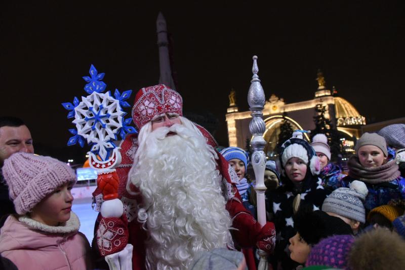 Гостями ВДНХ стали 900 тысяч человек в новогодние праздники