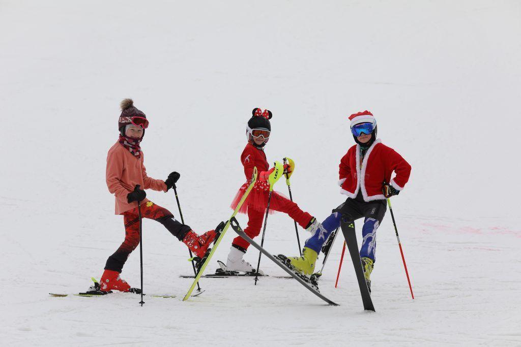 Фотофакт: карнавал на лыжах