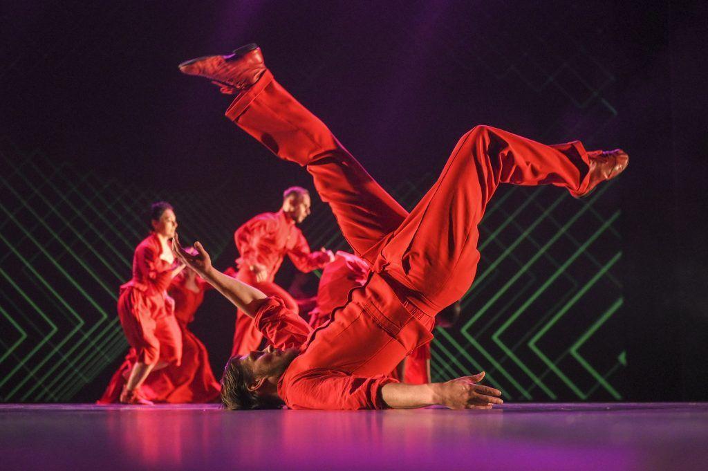 6 ноября 2019 года. Артист балета во фрагменте спектакля «Кафе Идиот» в Гоголь-центре. Фото: Владимир Песня/РИА Новости