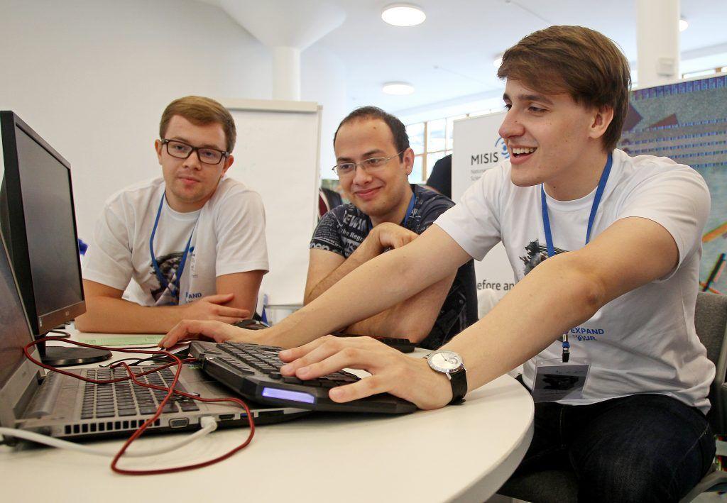 Финалисты хакатона Moscow Travel Hack разработают аудионавигацию по «Царицыну»