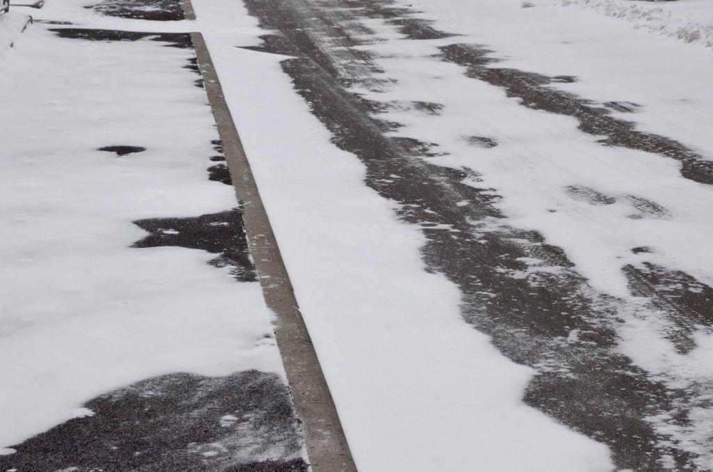 Асфальтовое покрытие дворов и проездов в Царицыне обновят