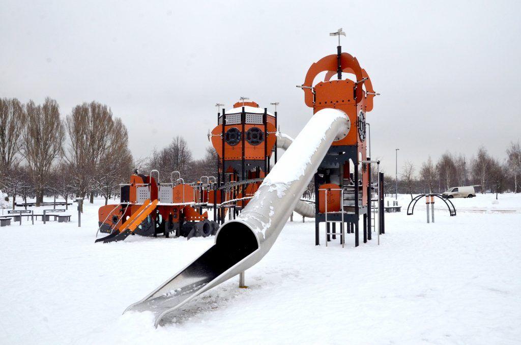 Благоустройство двух детских площадок в Нагатинском Затоне определили активные граждане