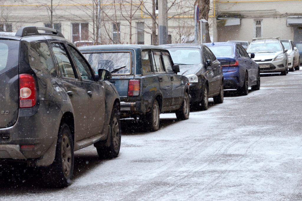 Более 12 тысяч заявок на резидентные парковочные разрешения подали столичные водители
