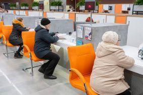 Сотрудники социальных центров продолжат оказывать помощь на дому в привычном режиме. Фото: официальный сайт мэра Москвы