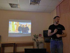 Андрей Плаксин регулярно проводит лекции и рассказывает о своем проекте. Фото: Алина Берестова