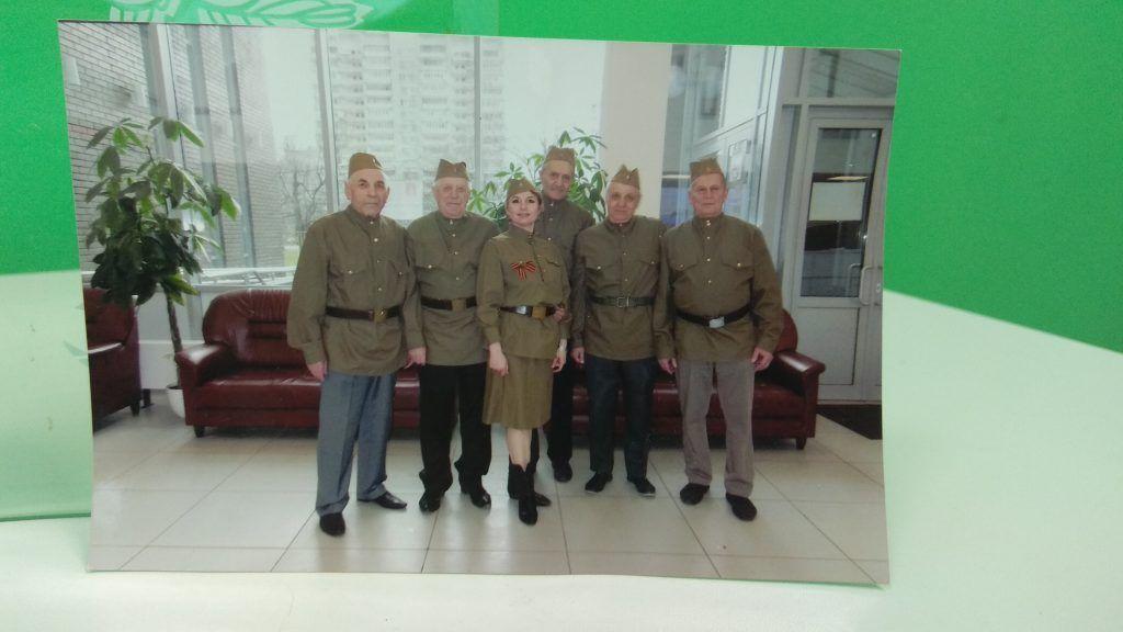 Выступление коллектива «Бравые ребята» на выступлении в честь Дня Победы в ТЦСО. 2019 год