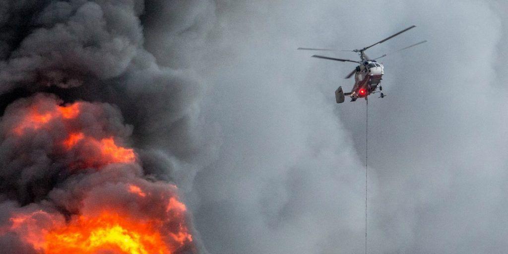 Пилоты Московского авиацентра сбросили около двух тысяч тонн воды на очаги возгораний