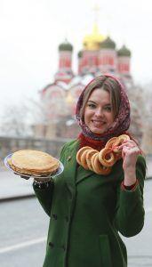 На каждой площадке фестиваля «Московская Масленица» можно будет попробовать блины, выбрав разные начинки и способ подачи. Фото: Наталия Нечаева