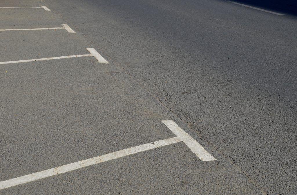 Разметку на внутридворовых парковках обновят в Даниловском районе. Фото: Анна Быкова