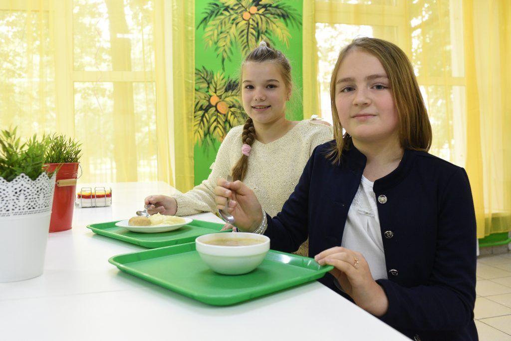 ВЦИОМ: Качество школьного питания удовлетворяет большинство москвичей. Фото: архив, «Вечерняя Москва»
