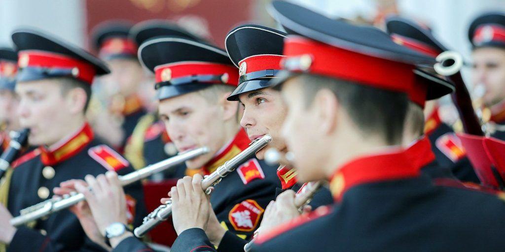 Программу тематических мероприятий ко Дню защитника Отечества организовали в Москве