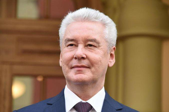 Сергей Собянин поздравил будущих женщин-машинистов с 8 марта