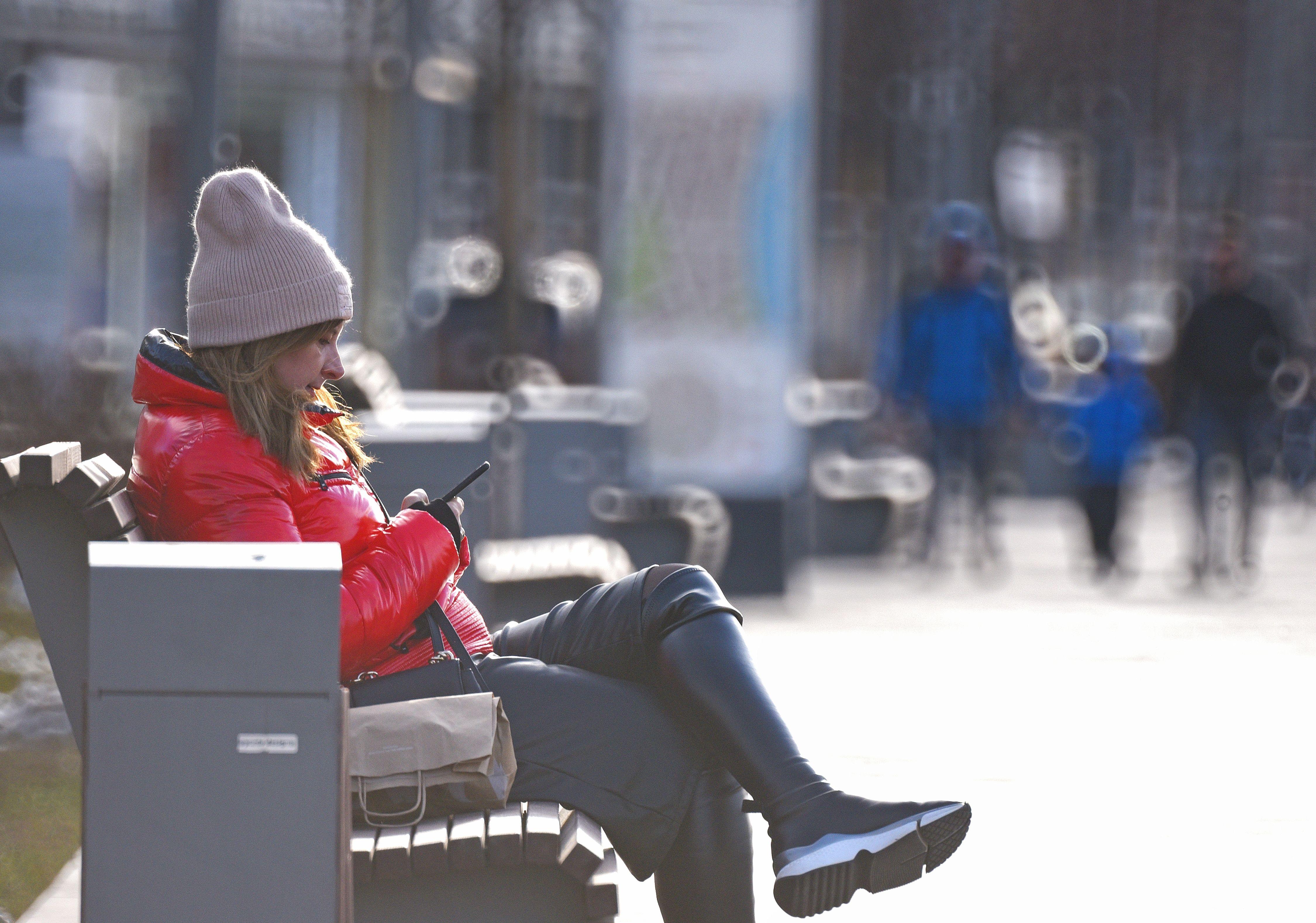 Синоптики спрогнозировали теплую погоду в выходные дни
