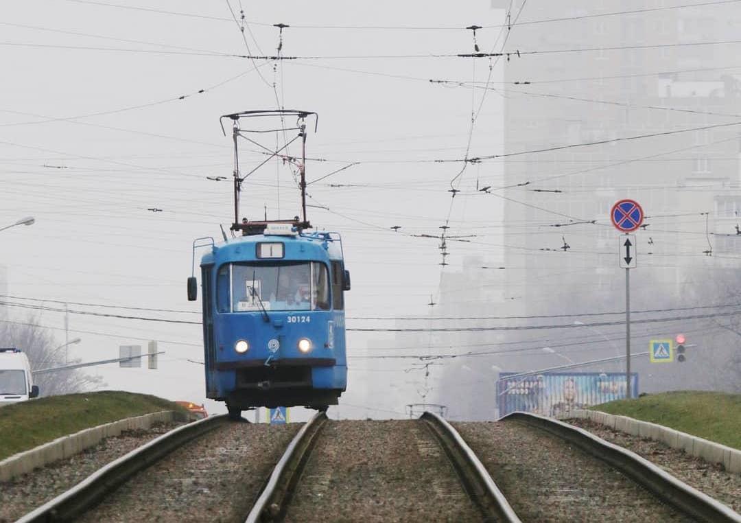 Трамвай в туманном Чертанове запечатлел народный корреспондент
