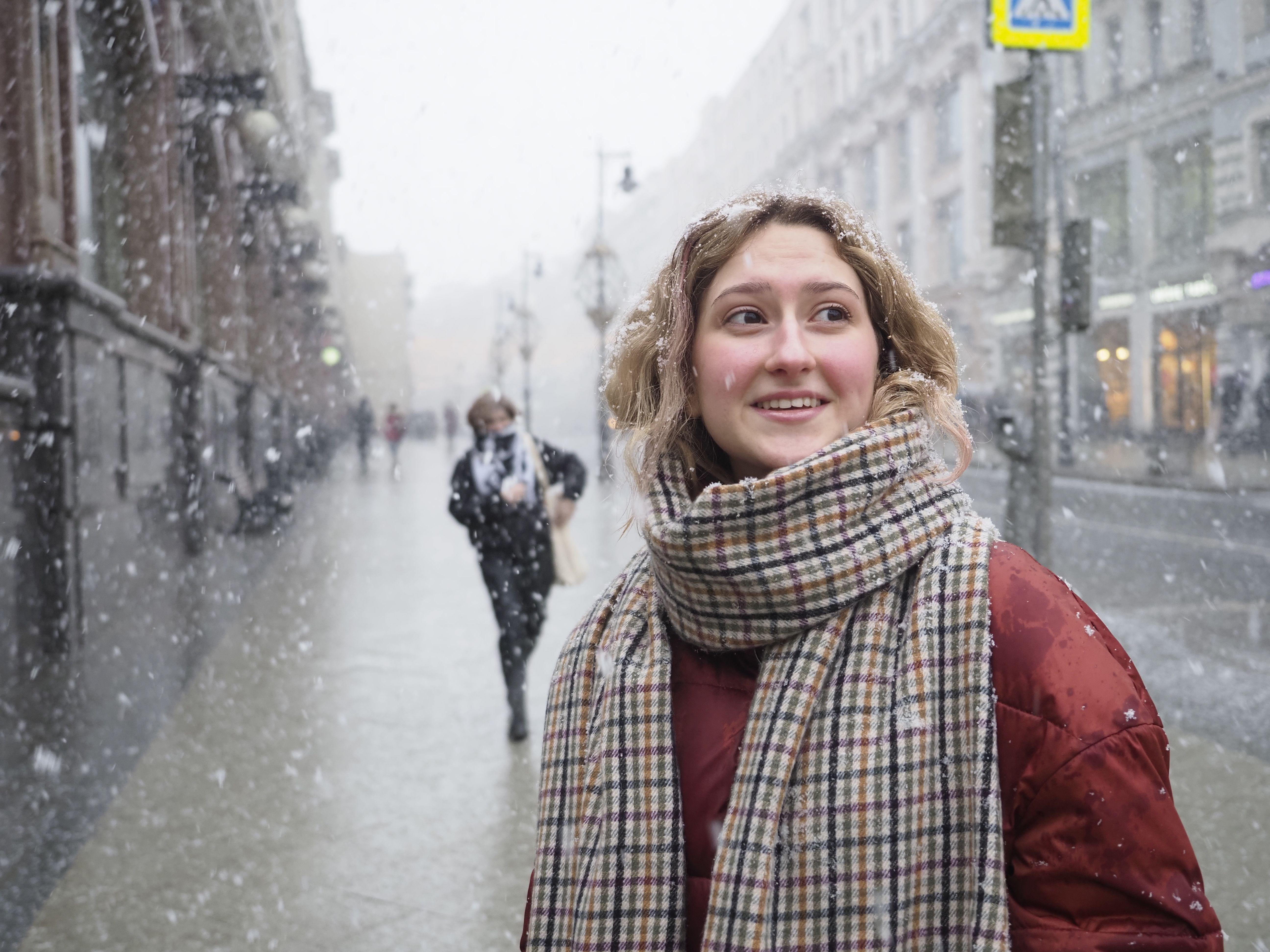 Москвичей ожидает облачная и теплая погода в выходные