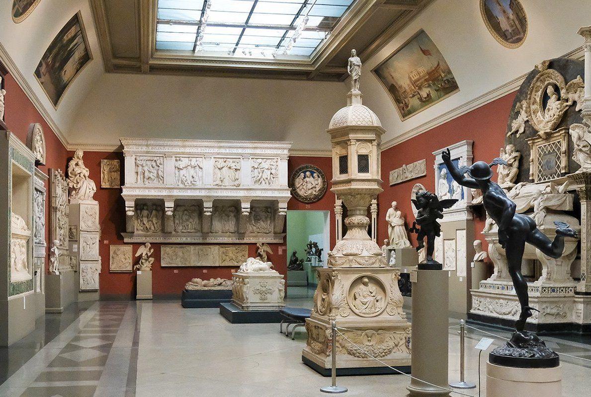 Выставки столичных музеев теперь можно посетить не выходя из дома