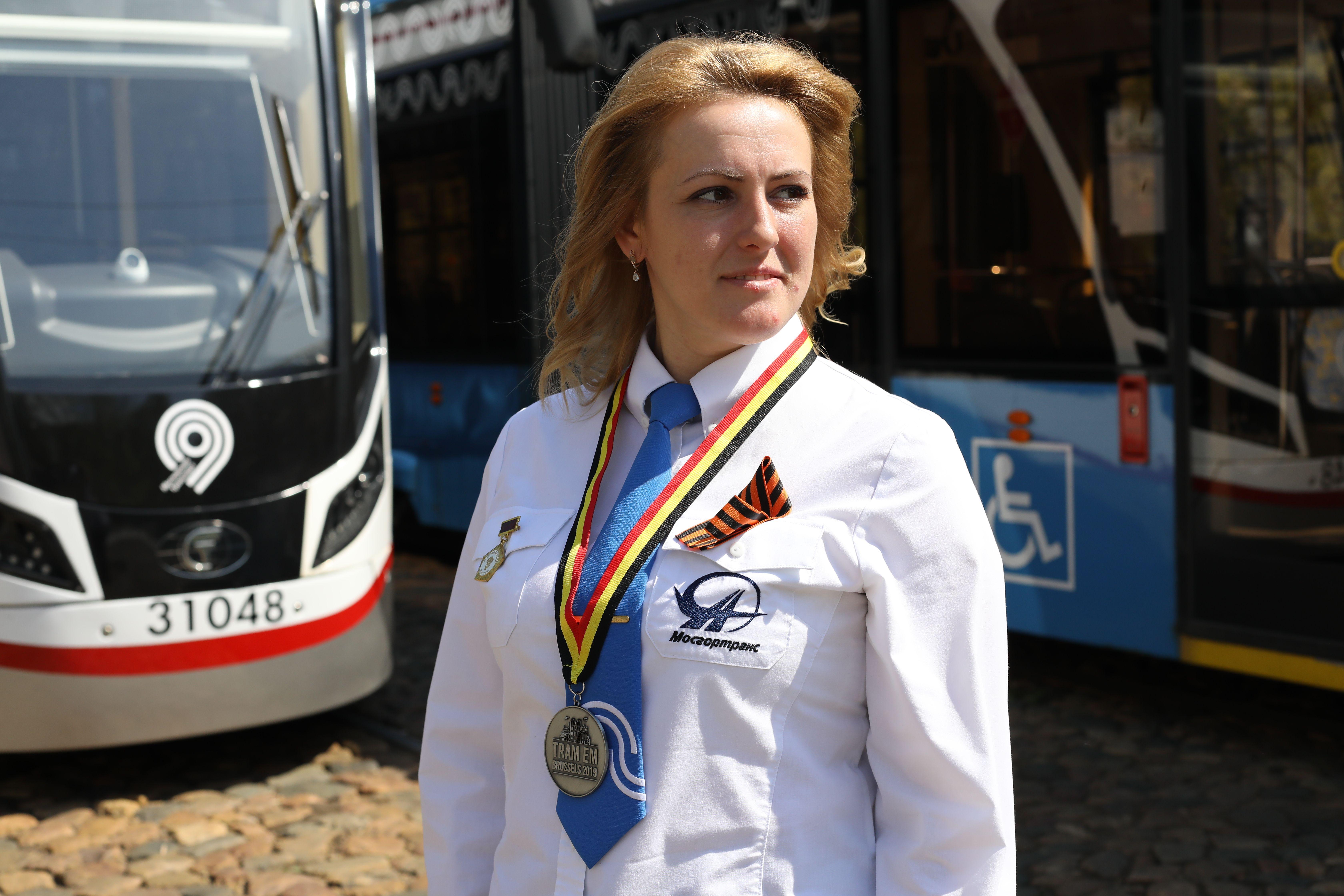 Специалисты «Мосгортранса» рассказали о востребованности работы водителя среди женщин
