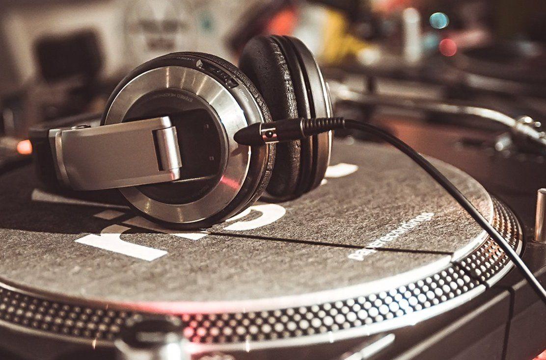 Инди-рок и неосоул: музыкальный квартирник организуют на Даниловском рынке