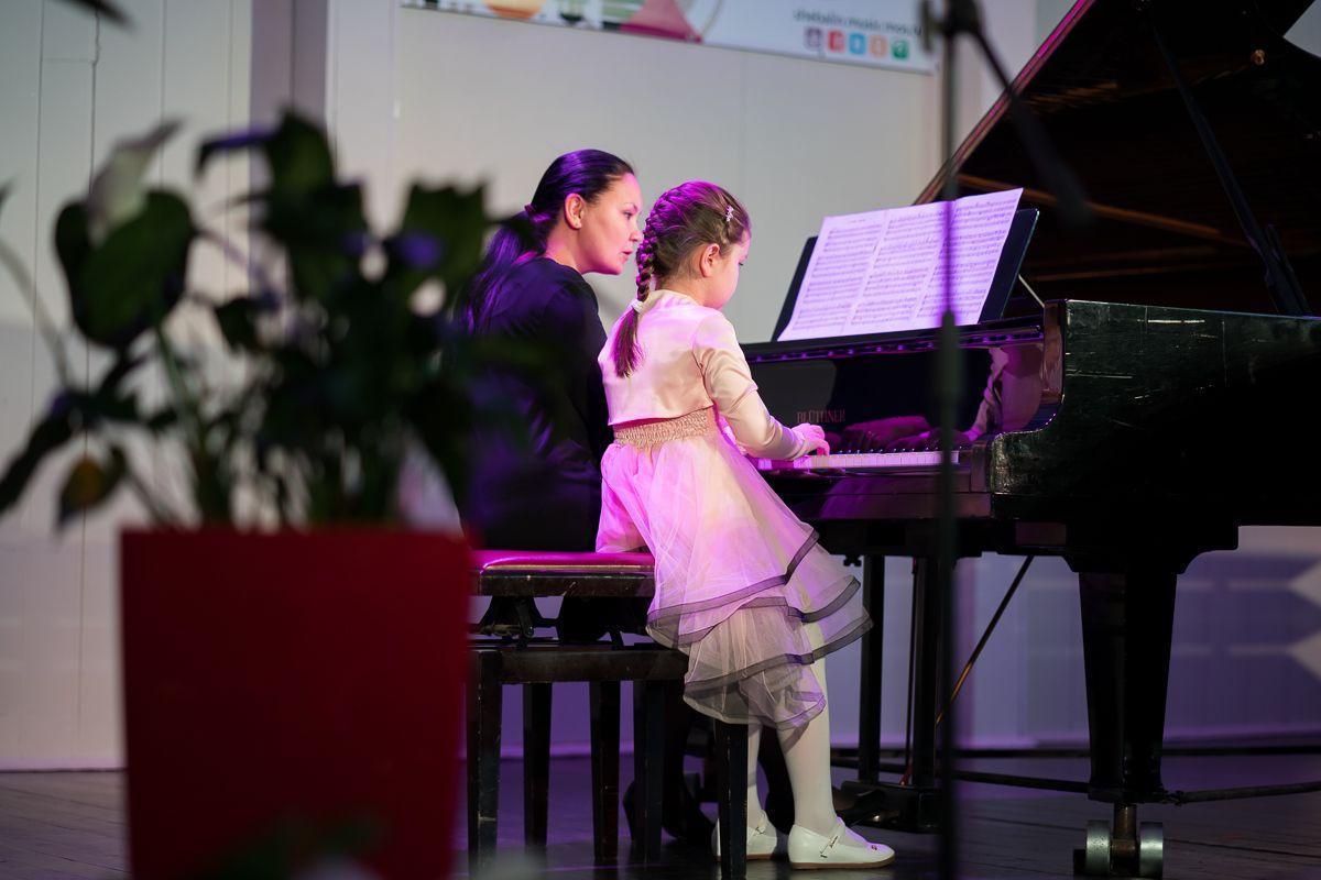 Юные музыканты сыграют фортепианный концерт в школе Виссариона Шебалина