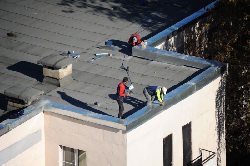 Более 1,2 тысячи крыш отремонтируют в Москве в этом году