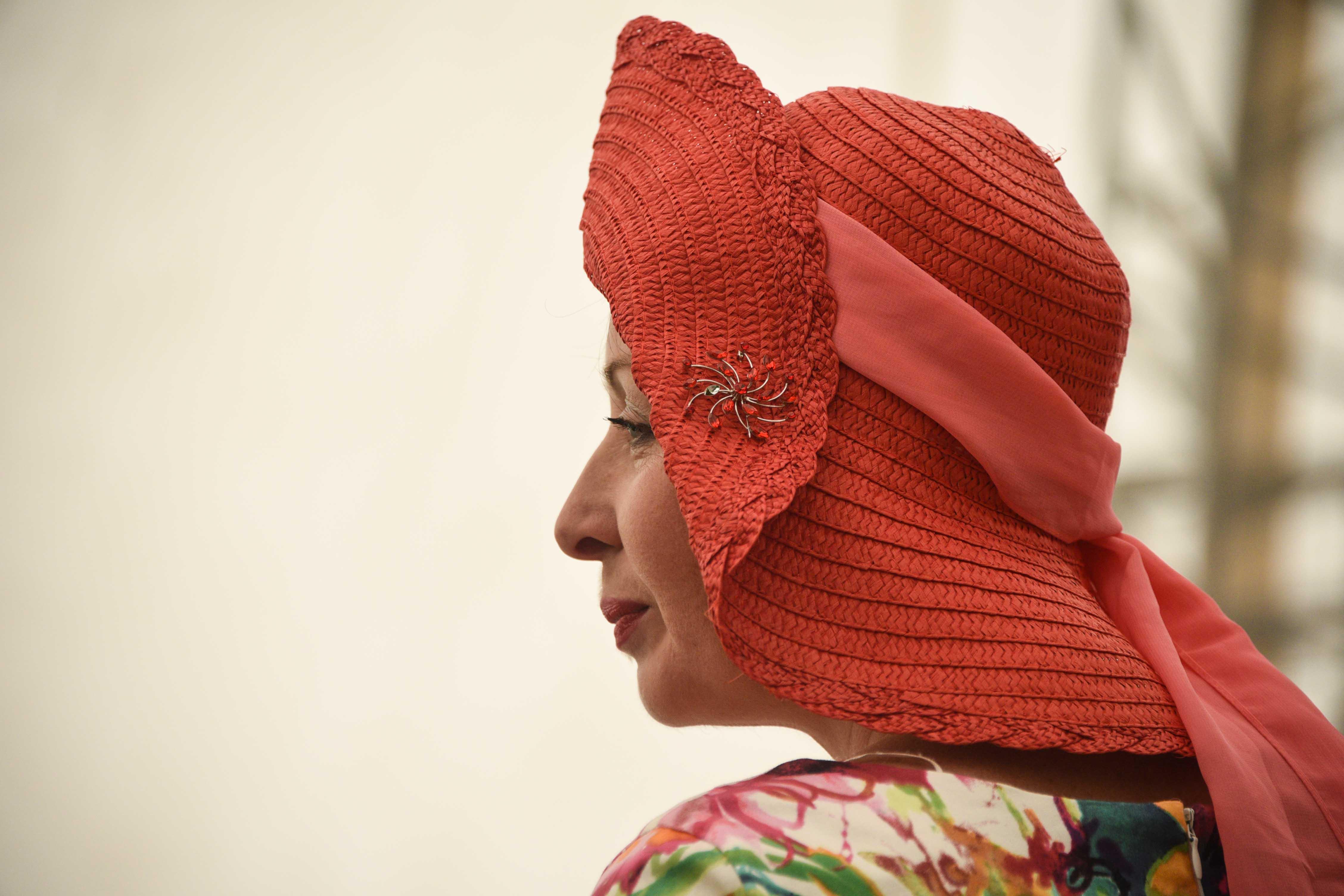 Витражная живопись и музыка: как отметят Международный женский день в Центрах соцобслуживания юга