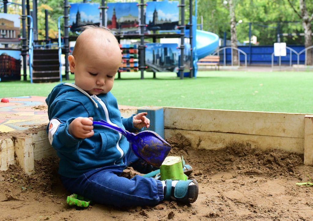 Новые песочницы появятся на 15 детских площадках в Царицыне. Фото: Пелагия Замятина, «Вечерняя Москва»