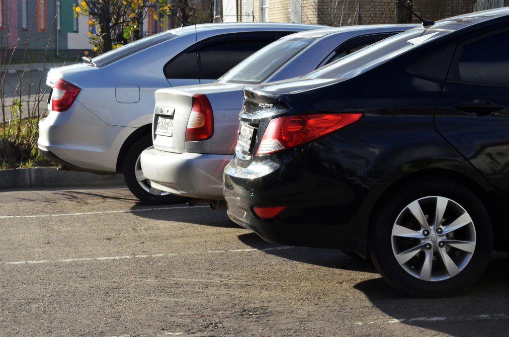 Автомобилистам напомнили о продлении парковочных абонементов. Фото: Анна Быкова